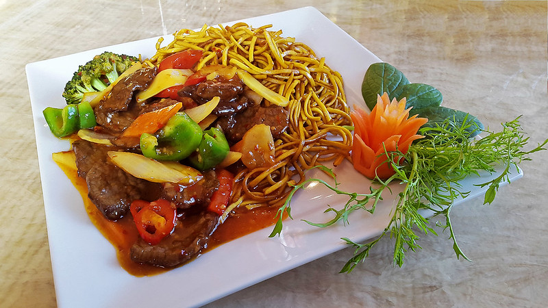 Chow Mein with Sczechuan Sauce
