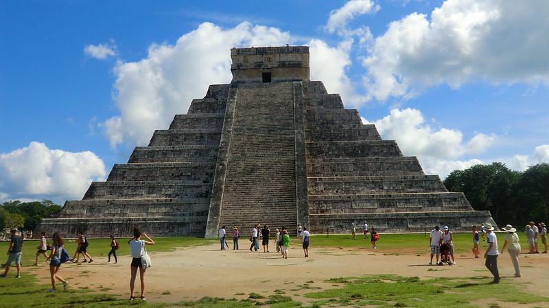 Mexico - Chichén Itzá; world famous pyramid of Kukulcán