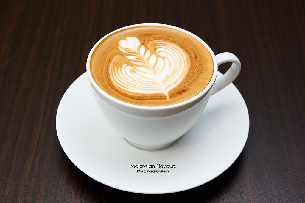 Li Damansara Jaya cappuccino
