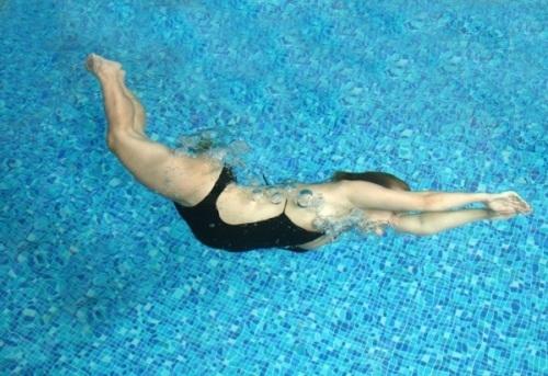 Thai phụ có nên đi bơi hay không?