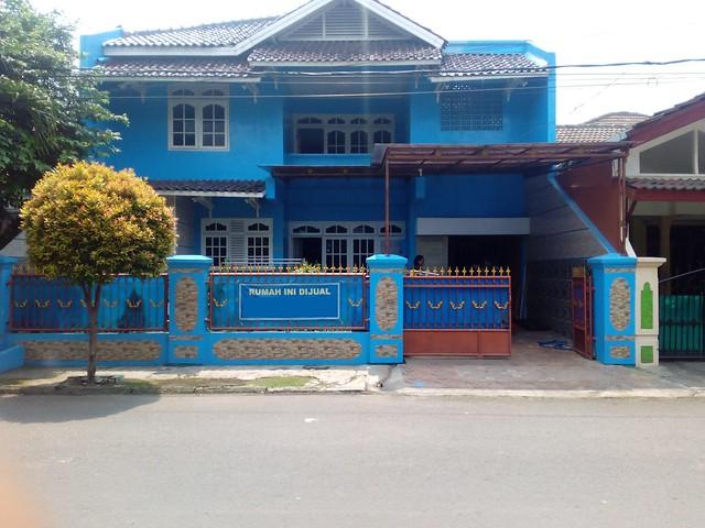 Dijual Cepat Rumah Biru Mediteranian di Komplek Duta Indah – Pondok Gede - Bekasi