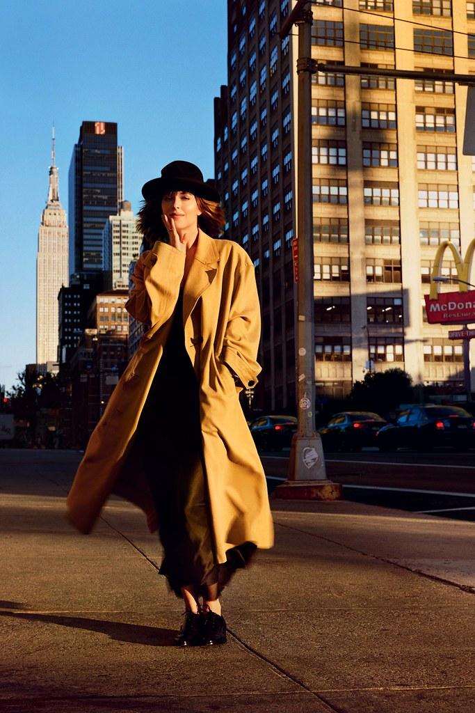 Дакота Джонсон — Фотосессия для «Vogue» UK 2016 – 4
