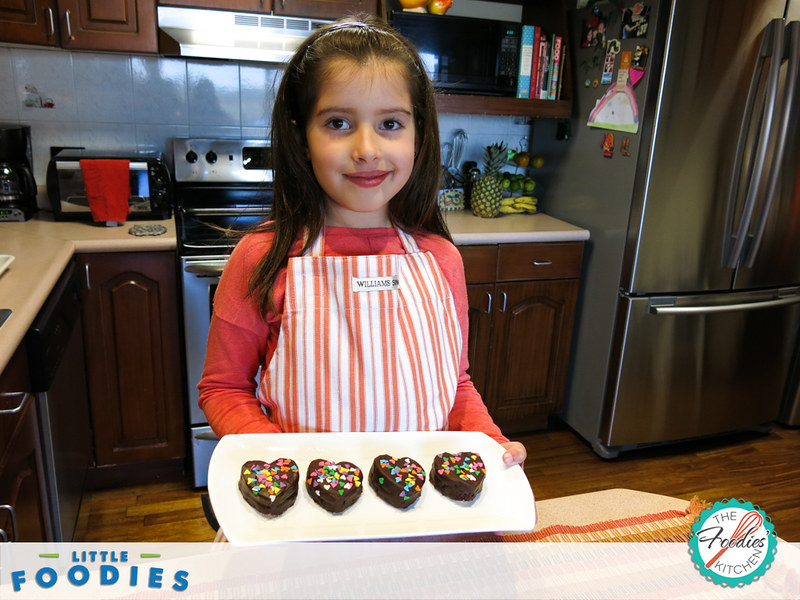 Little Foodies: Mini Heart Chocolate Cakes