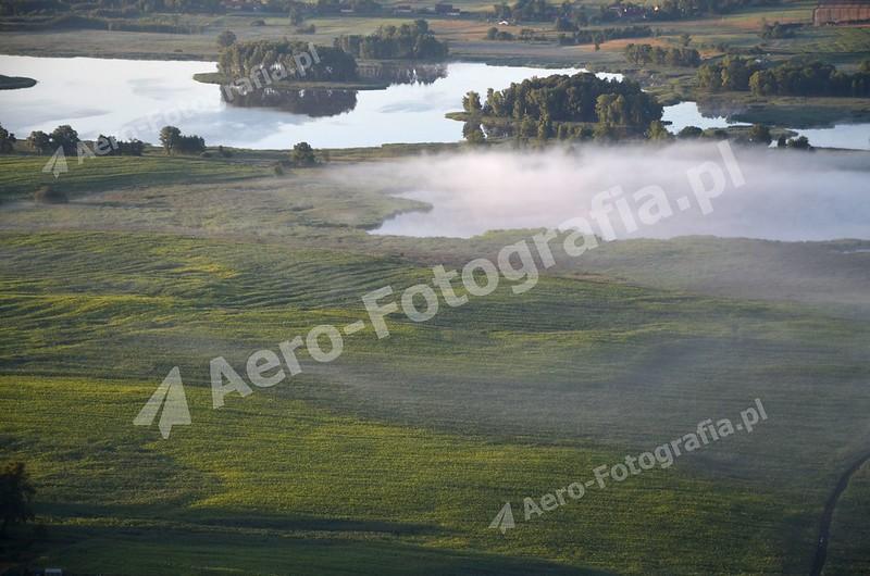 Poranna mgła na jeziorze Kruklin.