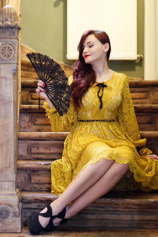yellow lace7