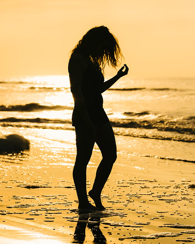 ocean sea portrait people beach silhouette sunrise gold golden photoshoot outdoor southcarolina atlantic bikini backlit february 2016 sullivansisland modeljoradansin