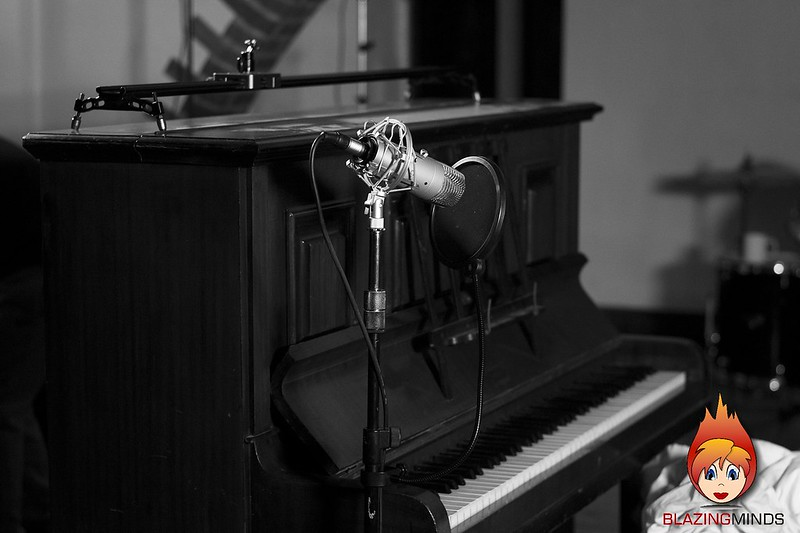 Behind the Scenes 10 Piano BW DM