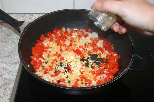 38 - Zwiebel & Knoblauch hinzufügen / Add onion & garlic