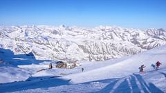 Widok z podejścia na Gran Paradiso 4061m.