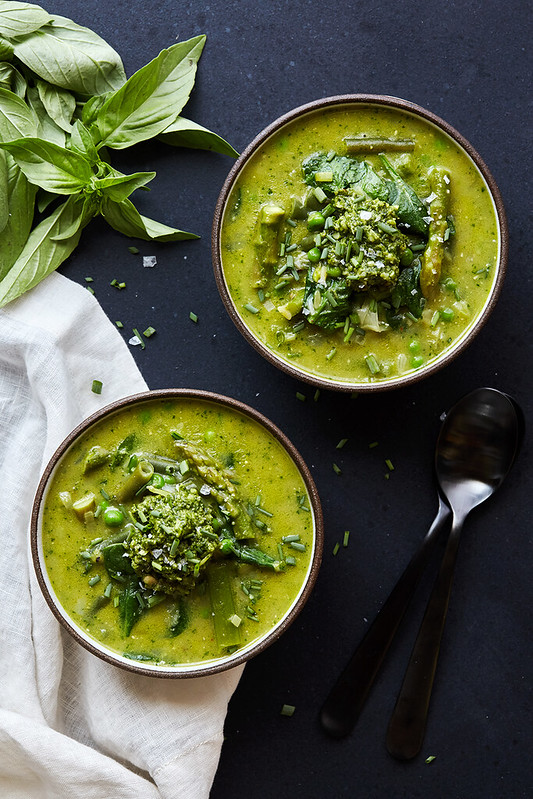 Spring Green Minestrone Soup with Basil Pesto {gluten-free with paleo ...