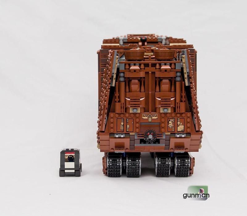 ThebrickReview:LEGO 75059-1 UCS Sandcrawler 23652860814_7f12c29ae1_c