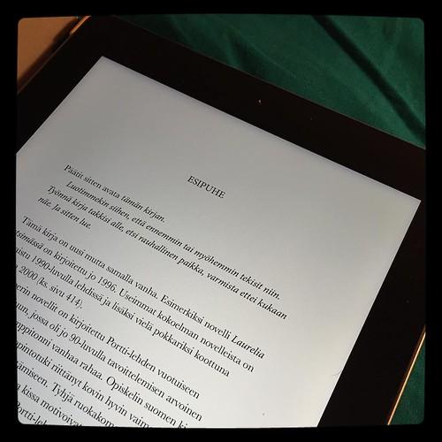 #kirjapäiväkirjat2016 #kirjat #ekirja #pasiilmarijääskeläinen #taivaaltapudonnuteläintarha #reading #books #ebook #ipad #luettua