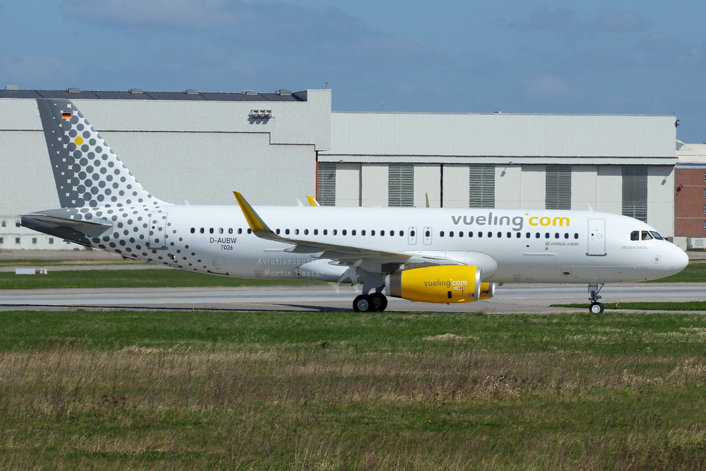 EC-MKN - A320 - Vueling
