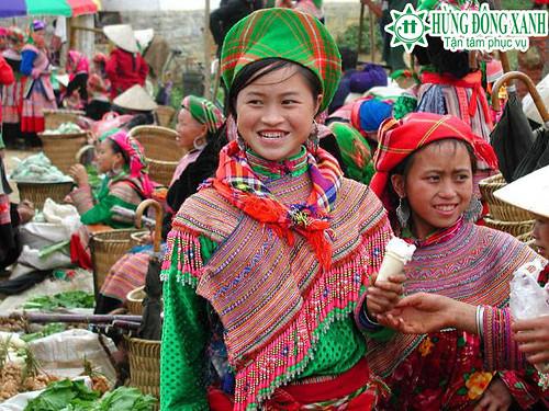 Du lịch Hà Nội- Yên Tử- Du thuyền Hạ Long- Sapa - chợ ở Sapa