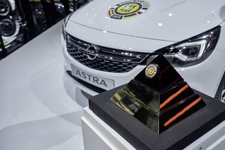 Opel Astra: Car of the Year 2016