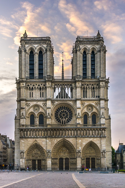 Notre-Dame, sunny