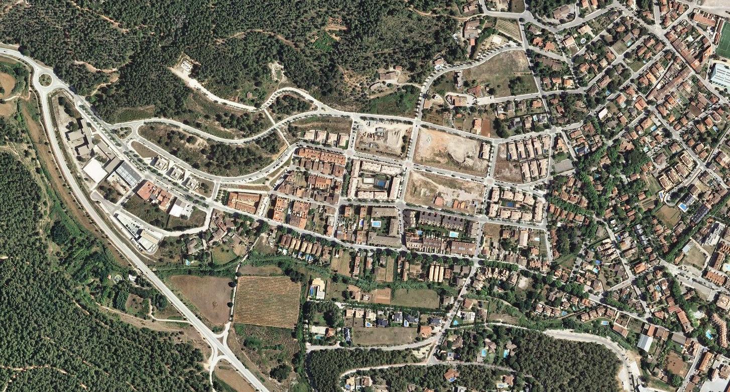 begues, baarcelona, la derrera beguesada, después, urbanismo, planeamiento, urbano, desastre, urbanístico, construcción, rotondas, carretera