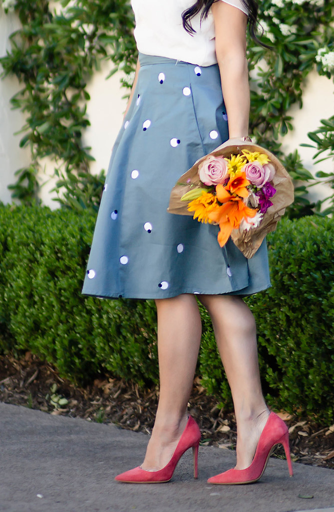 cute & little blog | petite fashion | eshakti teal polka dot flare skirt | stella dot statement riviera necklace, m.gemi cammeo coral pumps | spring outfit