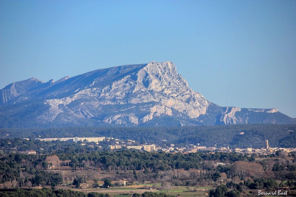 La Montagne Sainte-Victoire vue depuis Ventabren
