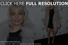 Nicole Richie: Debuts a New Retro Bob Hairdo