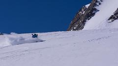 Tomasz zjeżdża lodowcem Guslarferner ze szczytu Fluchtkogel (3497m)