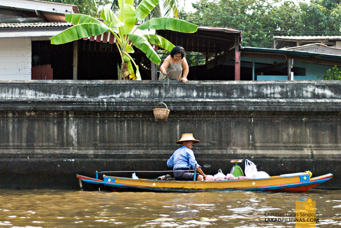Chao Phraya River Tour Boat Vendor