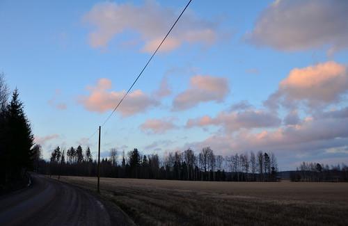 road sunset nature field clouds suomi finland landscape evening countryside spring tie maisema ilta luonto pilvet auringonlasku kevät maaseutu pelto hiekkatie