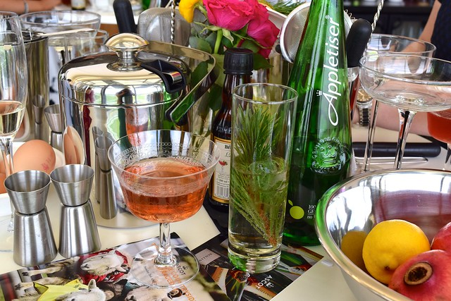 Mixing Cocktails at Ascot with Appletiser | www.rachelphipps.com @rachelphipps