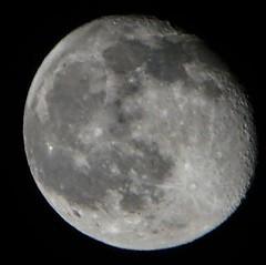 Luna de abril #moon #melancolicoynoesllena #mooning #alpha6000 #aprilmoon #sundaymooning #luna