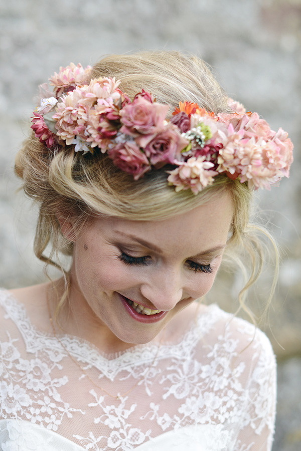 Floral crown for autumn wedding | fabmood.com
