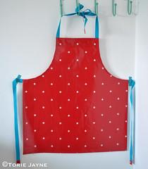 Kids oilcloth apron tutorial