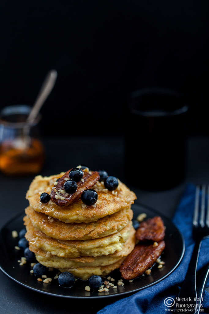 Almond Vanilla Pancakes with Cinnamon Bananas - by Meeta K. Wolff-0082