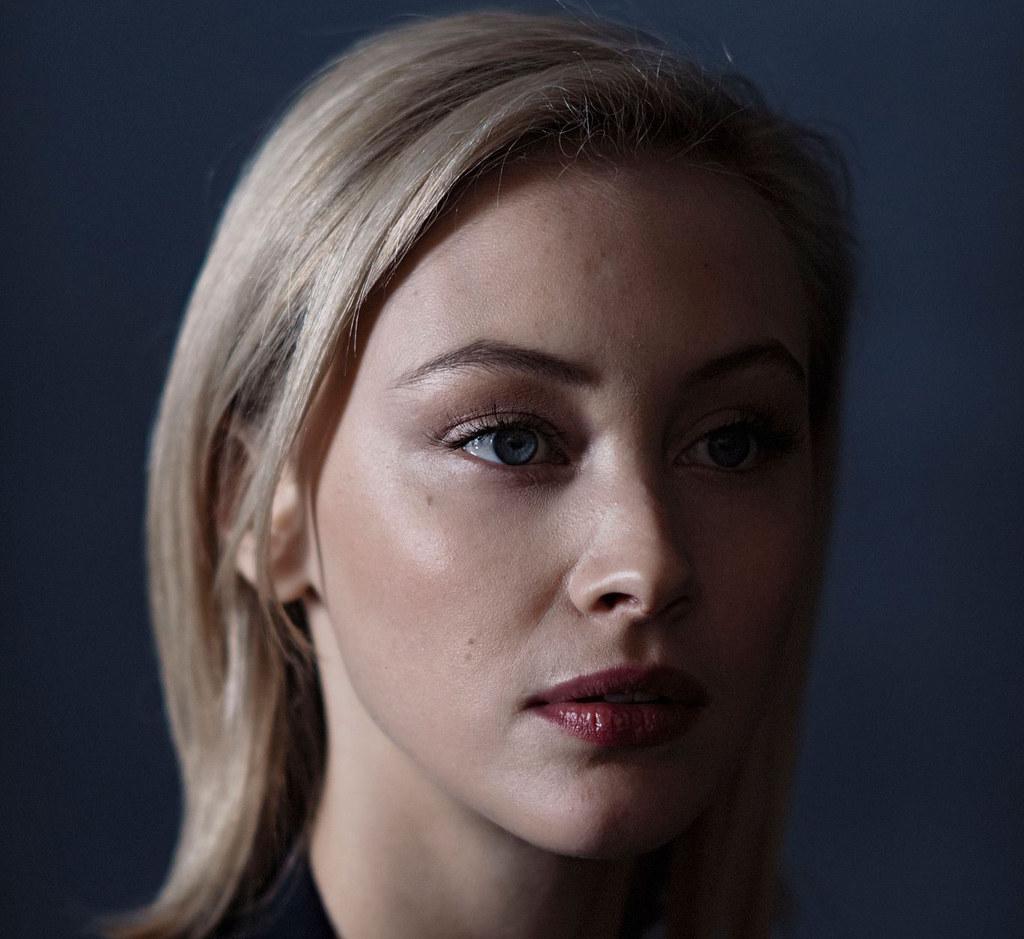 Сара Гадон — Фотосессия для «Возмущение» на «Sundance» 2016 – 13