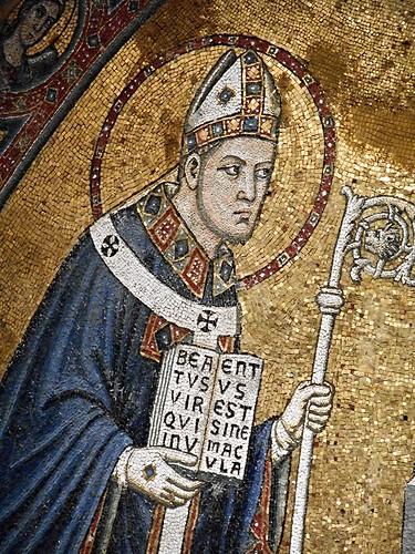 """Saint January"" - Inscription: BEATUS VIR QUI INVENTUS EST SINE MACULA - mosaic by Lello da Orvieto (1322) - Naples, Cathedral"