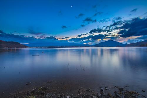 sunset moon lake reflection japan night canon landscape fuji mt cloudy 日本 bluehour 夕日 富士山 hdr mtfuji kawaguchi yamanashi longexplosure 夕焼け 河口湖 1635mm 倒影 山梨県 skyburning 5dmarkiii