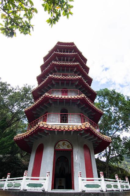 天峰塔为八角形七层高塔