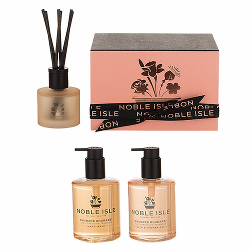 noble-isle-rhubarb-gift-set-to-the-one-i-love-toiletries