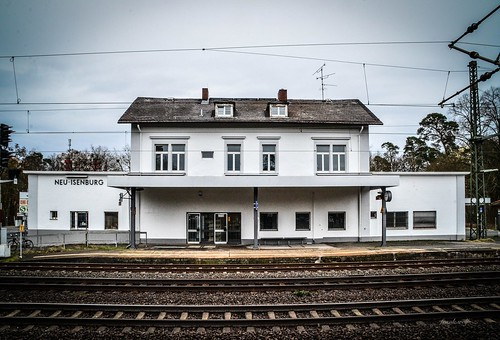 Bahnhof Neu-Isenburg - 070216 015-2_ShiftN