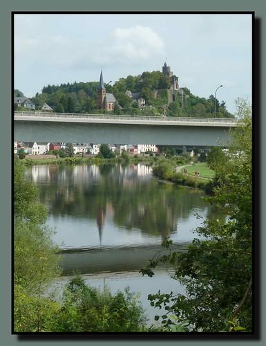 bridge panorama reflection river germany deutschland rivière reflet pont brücke fluss allemagne spiegelung saar rheinlandpfalz saarburg sarre laurentiusbrücke