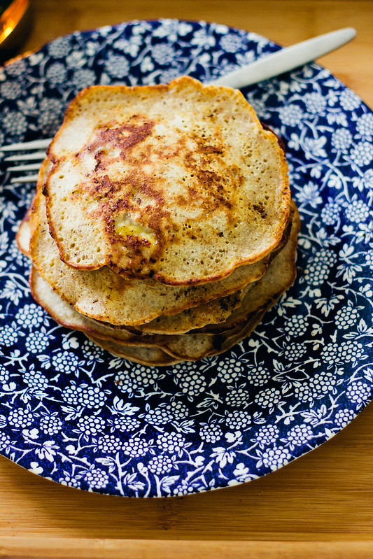{buckwheat banana pancakes} via chevrons & éclairs