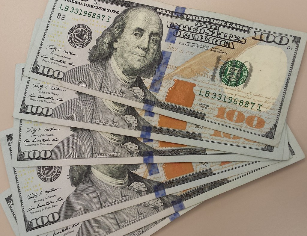 money  6 benjamin franklin  100 notes   600  marked with b