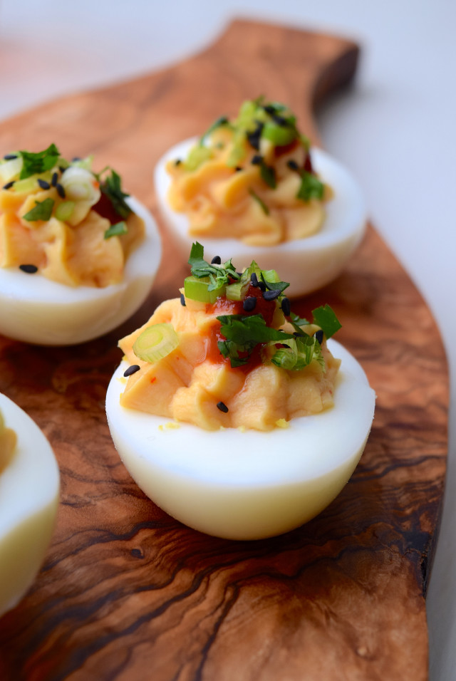 How To Make Asian Devilled Eggs | www.rachelphipps.com @rachelphipps