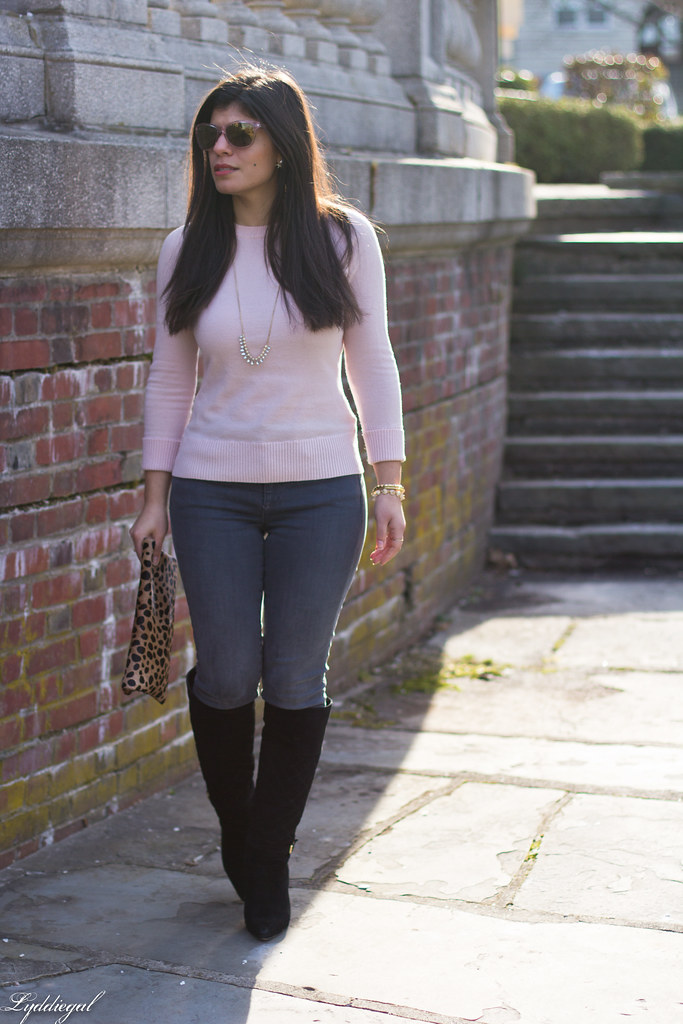 pink sweater, grey jeans, leopard clutch, black boots.jpg