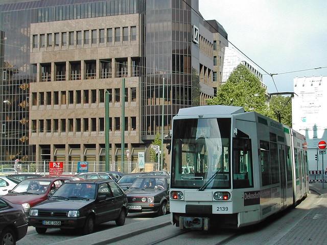 NF6 Triebwagen der Rheinbahn, Nikon E775