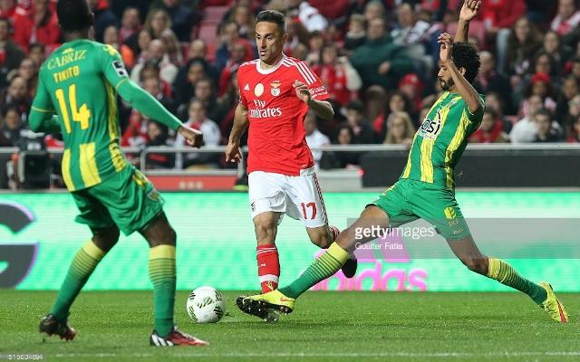 Benfica goleia Tondela por 4-1 e segue na lideran�a do campeonato portugu�s