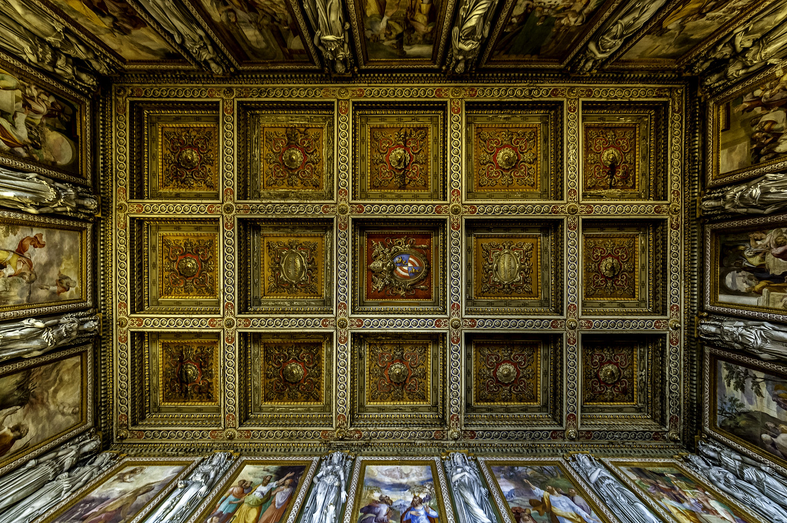 Coffered ceiling by Carsten Heyer