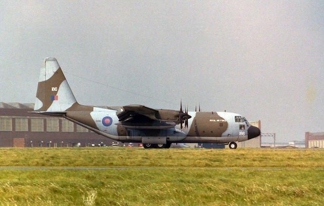 XV186/186 Hercules C.1 Arrive