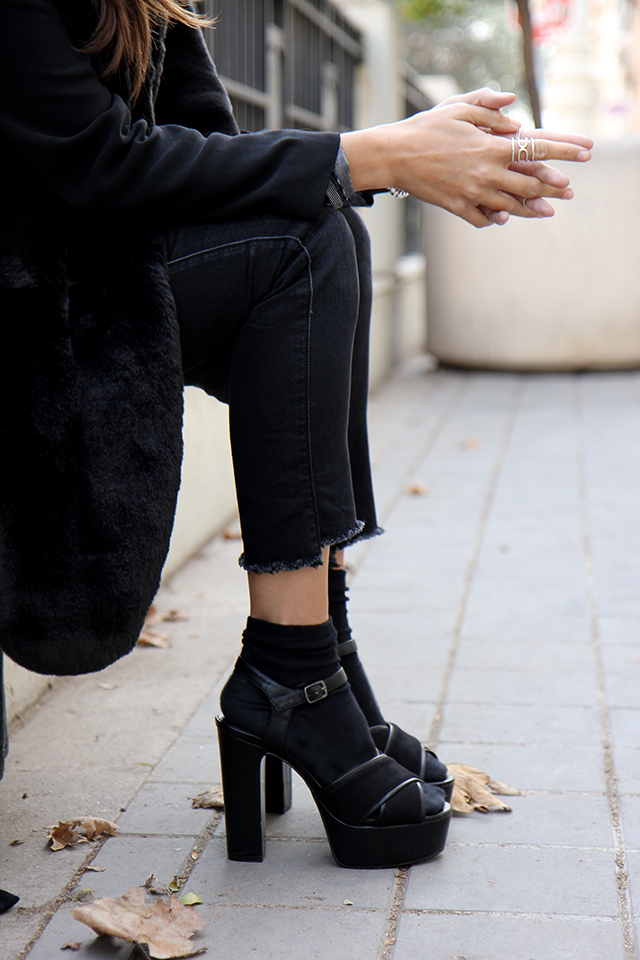 Mikita black sunniey