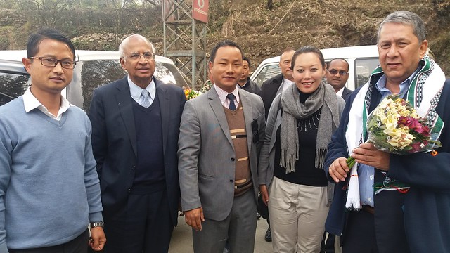 1.10th Feb_Mr. S. Ramadorai & Mr. Ranjit Barthakur being welcomed at Mao, Manipur Nagaland Border by State Officials of Manipur2