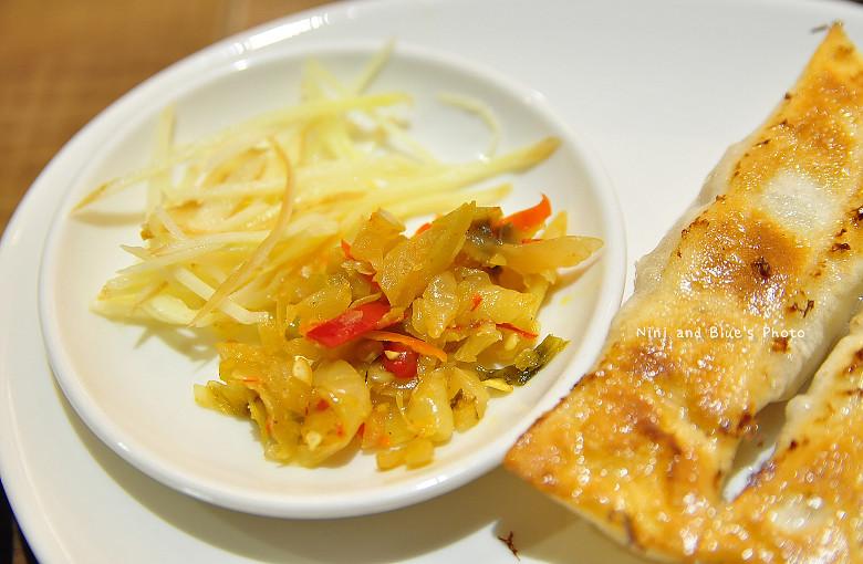 公益路麵店豪煮藝水餃牛肉麵34